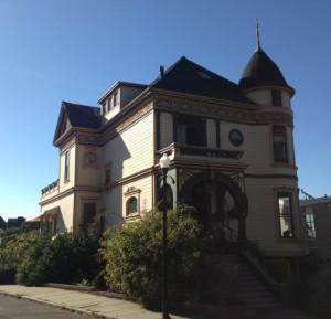 Victorian Mansion In San Francisco