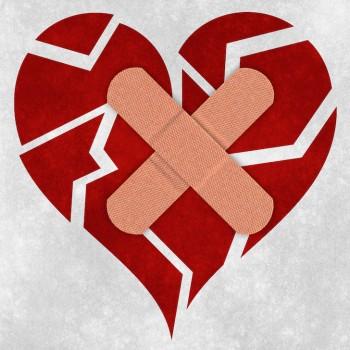 Mending a broken heart by Nicolas Raymond