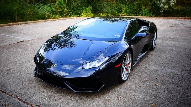 Lamb Huracan Mid-Life Crisis Sports Car