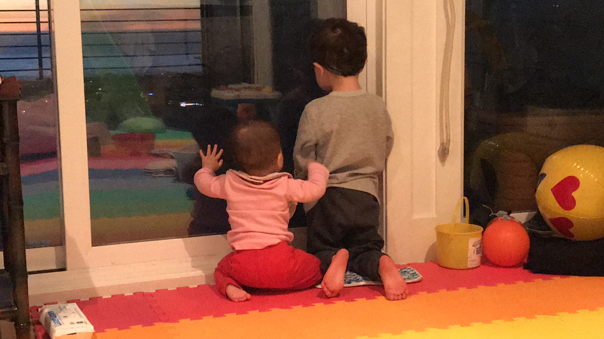 The benefits of homeschooling - sibling play!