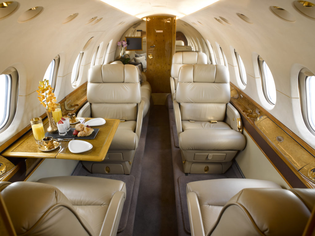 Flying private in a Hawker 800XP