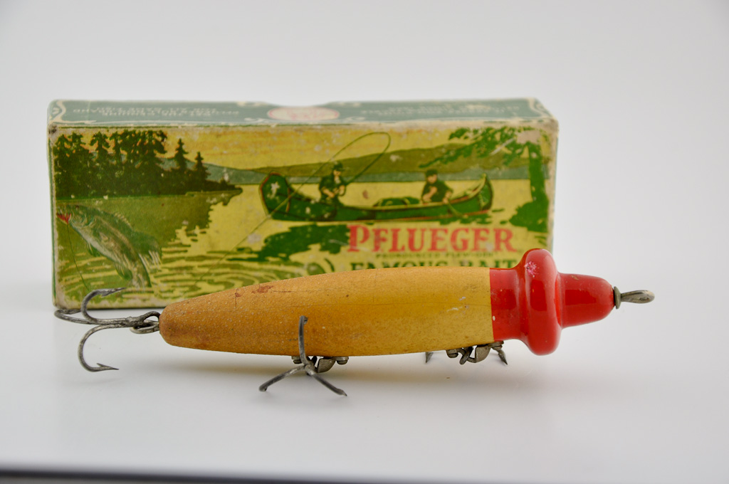 Pflueger Magnet Lure in Box
