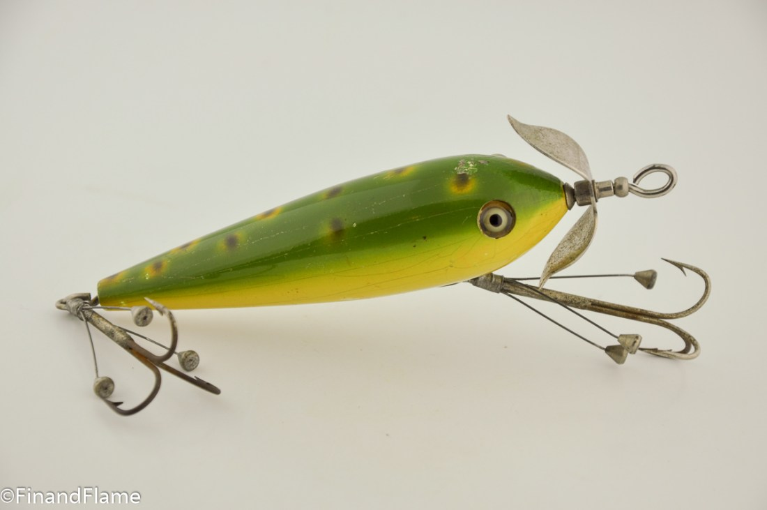 South Bend Surface Floating Minnow Lure