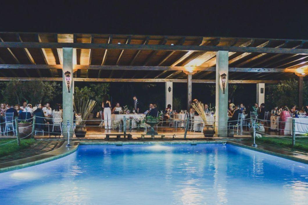 lago y banquete finca villa Mercedes