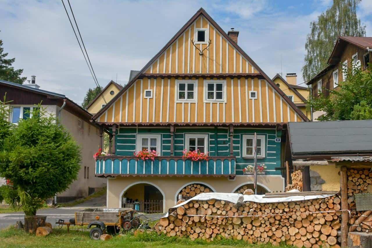 Die typischen Häuser im Riesengebirge