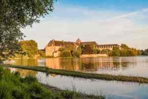 Das Kloster am See von Poimpont