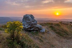 Auf dem Weg nach oben - Fels im Sonnenuntergang