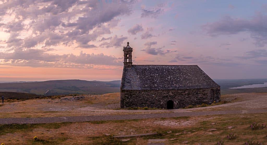 Die Kapelle auf dem Mont Saint-Michel de Brasparts