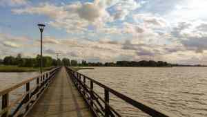 Die lange Seebrücke in Birzai