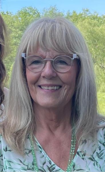 Justice of the Peace: Carol  Schweitzer-Schilling