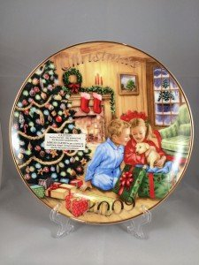 2009 Avon Christmas Plate