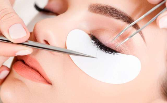 Eyelash extensions Image
