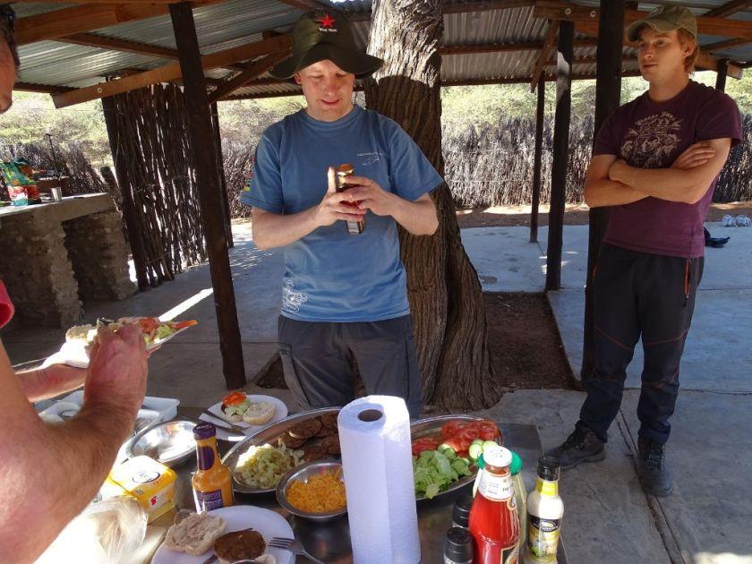 Mittagessen Drifters Kalahari Safari Botswana Afrika