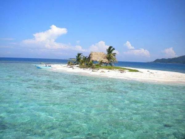 Things I Wish I Had Done in Roatan: Visit Cayos Cochinos