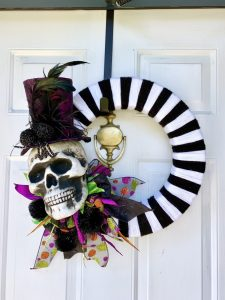 The finished DIY Halloween wreath