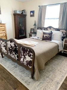 How to refurbish an antique bed - the after picture.