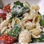 Tomato, Spinach, & Roasted Garlic Pasta with Ricotta