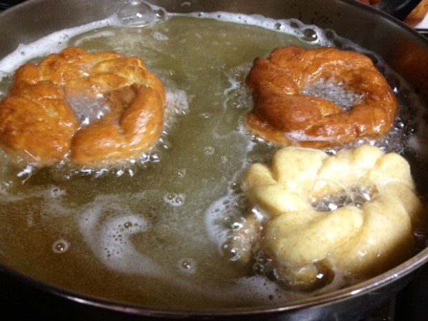 mom donuts frying2
