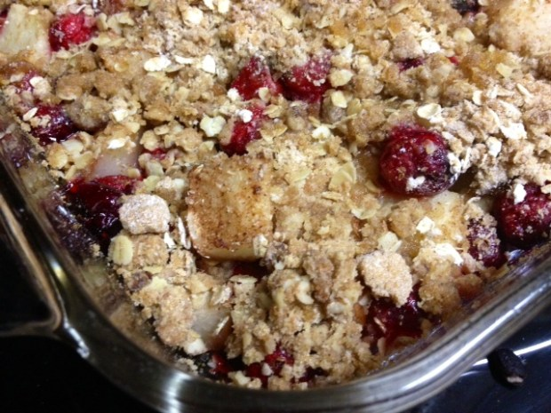 pear cranberry crisp finished2