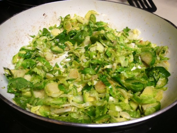 gorgonzola caramelized onion penne brussels sprouts