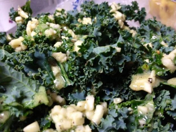 kale quinoa salad leaves dressing