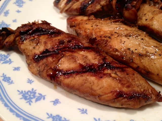 Simple Grilled Balsamic Chicken | This delicious and super fast recipe is here for you on any weeknight! Easy grilled chicken with a simple marinade, on the table in less than 30 minutes. How to grill chicken, how to use balsamic vinegar, grilling tips. #balsamic #chicken #grilled