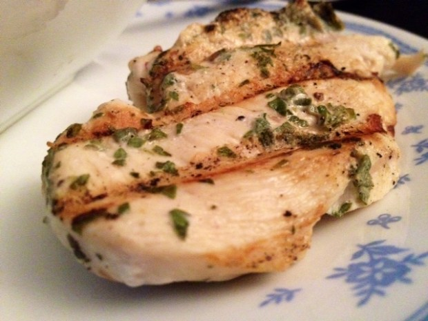 fresh herb grilled chicken finished3