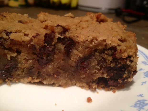 healthy deep-dish chocolate chip cookie pie finished3