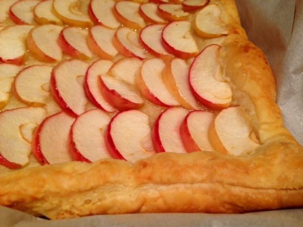 honey apple tart baked closeup