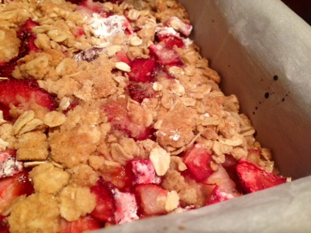 Strawberry Rhubarb Crumb Bars done