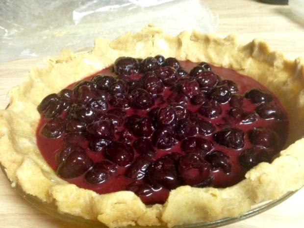 bing cherry pie with streusel cherries filling