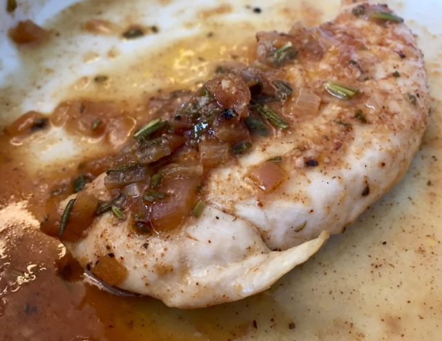 Lemon Shallot Chicken...with paprika, rosemary, garlic, and brown sugar, this chicken is super flavorful and healthy!