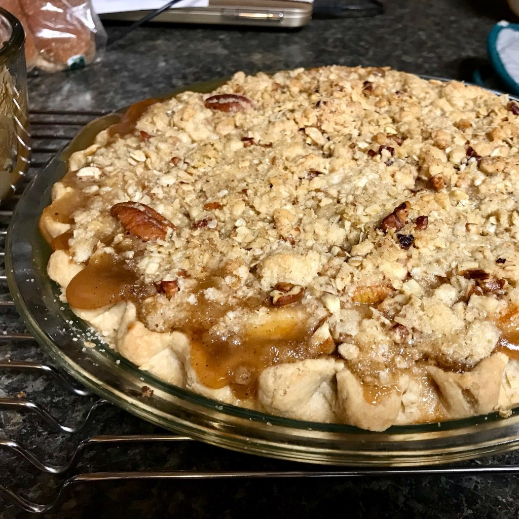 Bourbon Pear Crumble Pie | delicious, easy fruit pie, one of the best fruit desserts I've ever made, perfect for Thanksgiving or a special occasion, easy fruit desserts. #fruitdessert #pearpie #bourbonpearpie #bourbon #pears #pierecipes