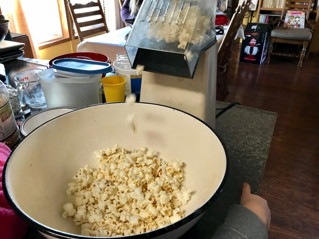 Use an air popper to get the best popcorn without oil