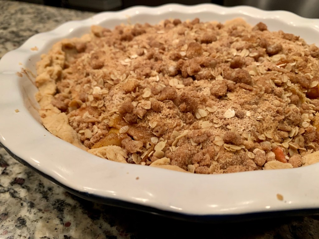 easy pear-apple pie with streusel topping finished