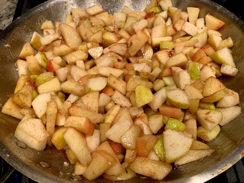 pear-apple pie filling is easy to make