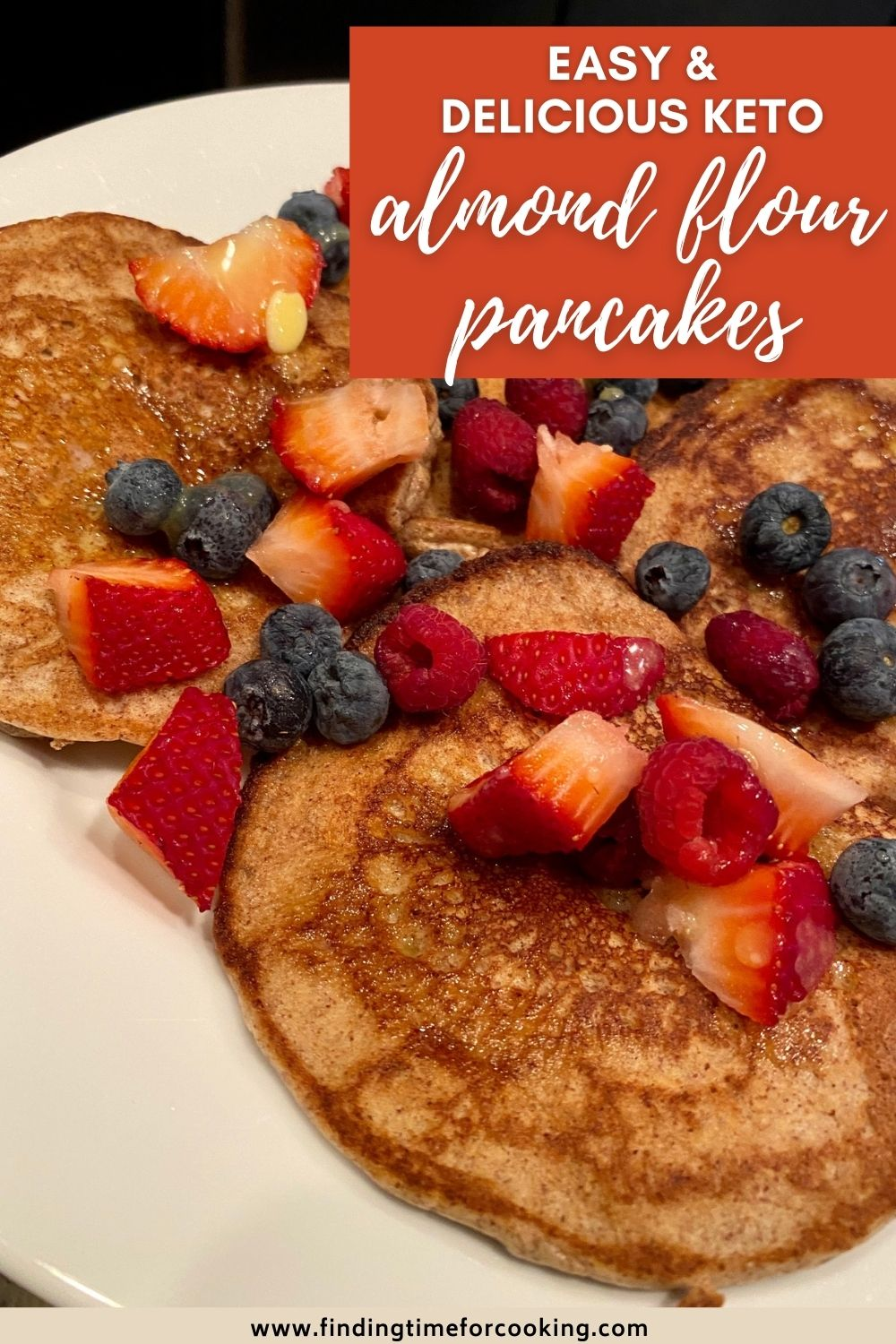 Easy & Delicious Almond Flour Pancakes | These keto pancakes are so easy & perfect for any morning. Naturally gluten-free pancake recipe that's low carb, no weird ingredients, and packed full of protein and healthy fats. Easy keto breakfast or low carb breakfast recipes you'll love, gluten-free breakfast recipe that's so easy to make. #keto #lowcarb #almondflour #pancakes #glutenfree #gf