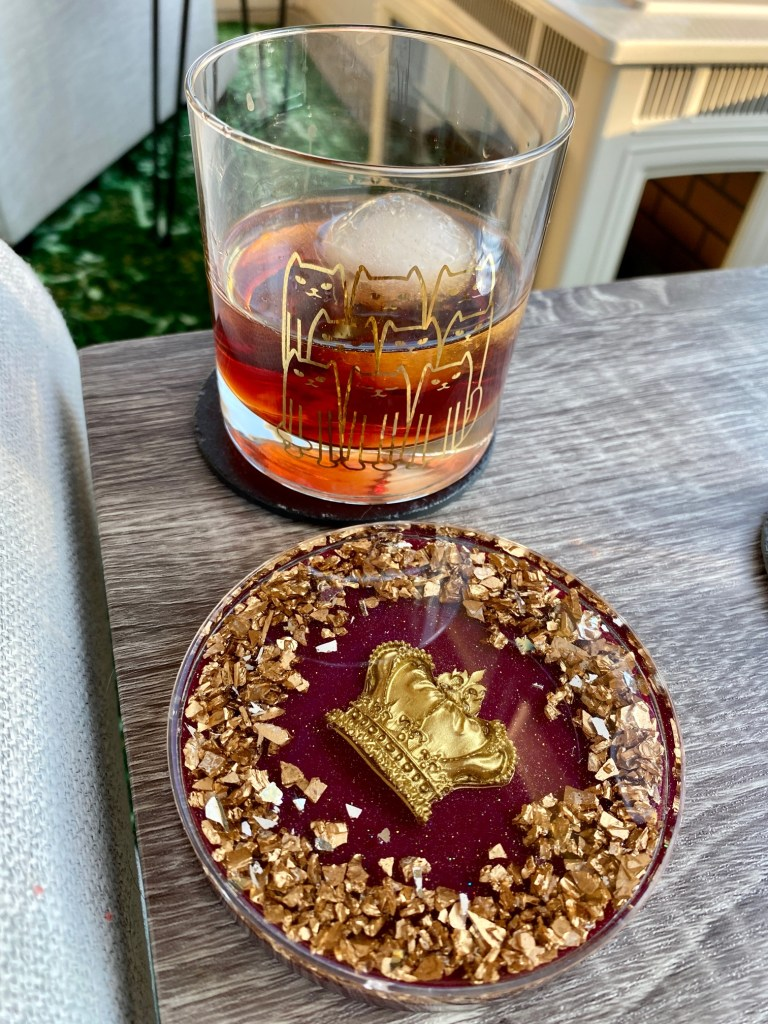 Peanut Butter and Jelly Cocktail | This nostalgic pb&j flavor combo is a fun, indulgent dessert cocktail using Chambord liqueur and Skrewball peanut butter whiskey. Unique cocktail recipe ideas. #cocktail #peanutbutter #jelly #drinkrecipe