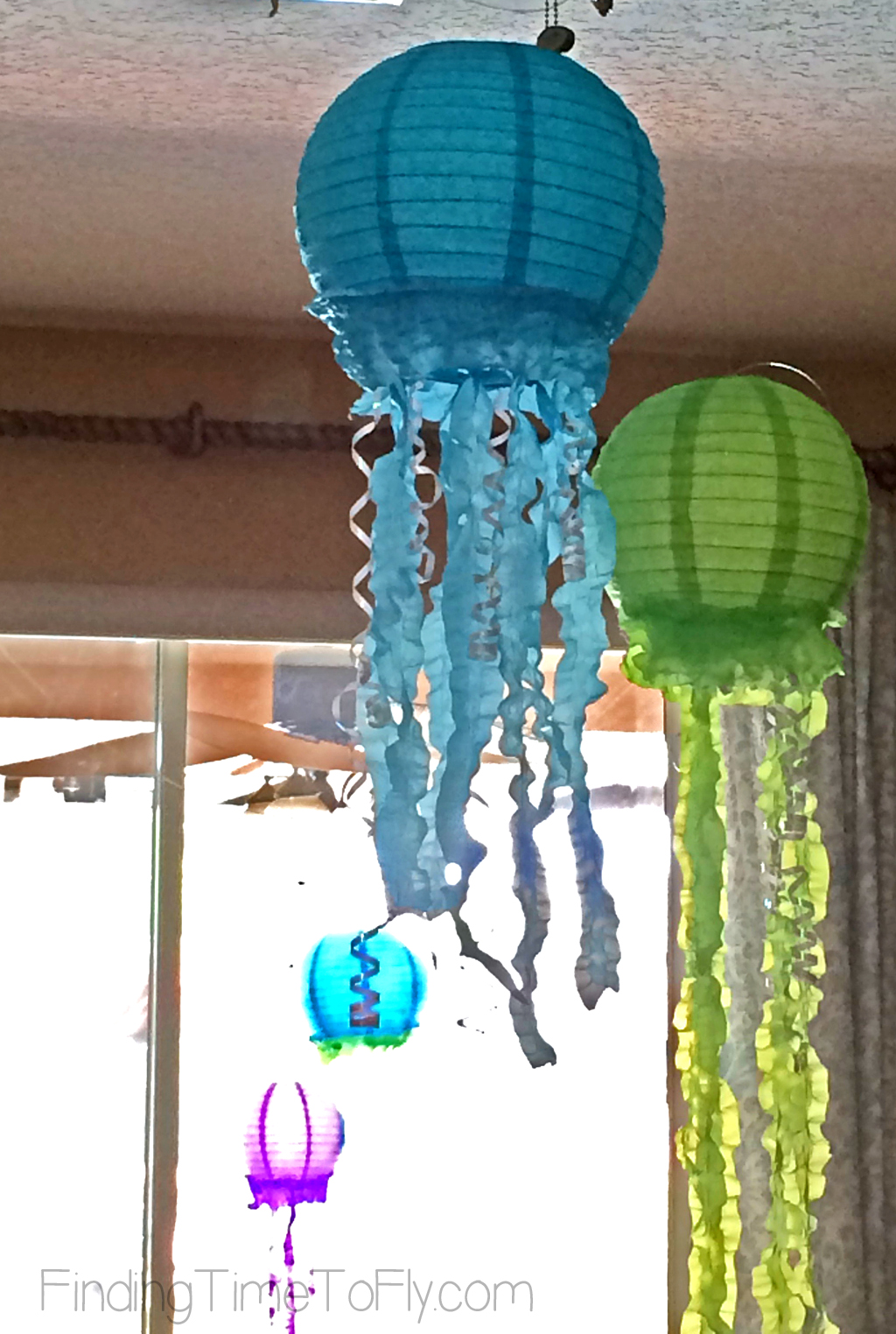 mermaid-under-the-sea-party-jellyfish-lanterns-inside-1