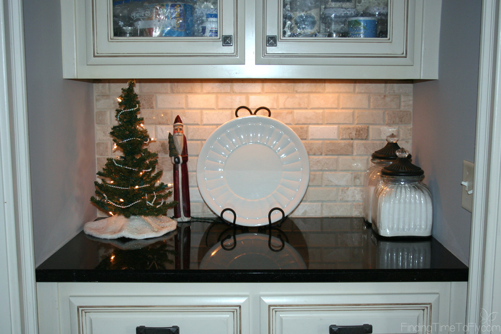 Coastal Christmas Kitchen with Starfish and Wreaths