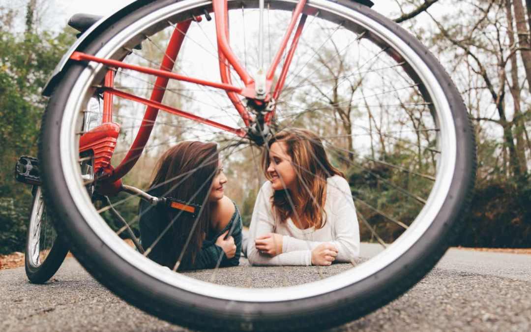 Balancing Talking And Listening In Conversation -Not Bulldozing