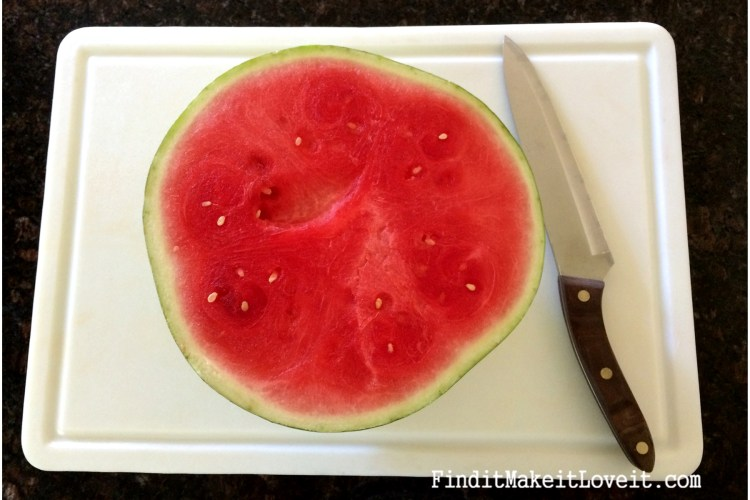 How to cut watermelon sticks (1)