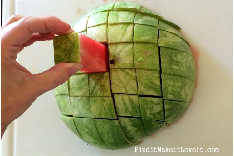 How to cut watermelon sticks (4)