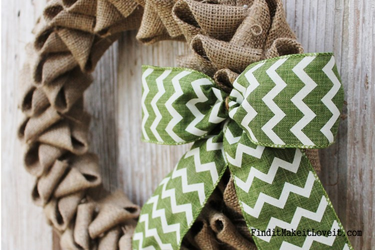 Petal Burlap Wreath DIY (1)
