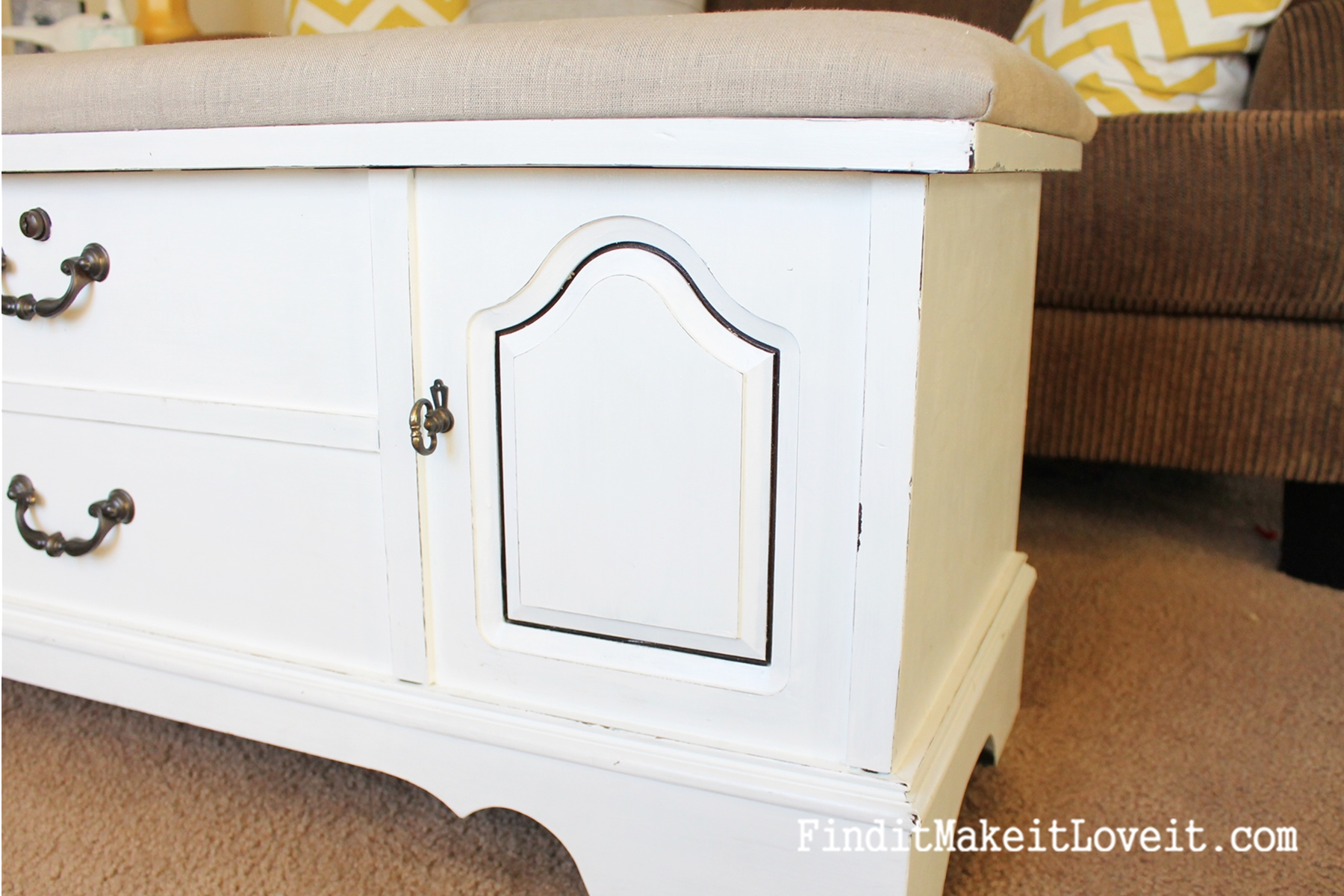 how to paint and reupholster a cedar chest (3)