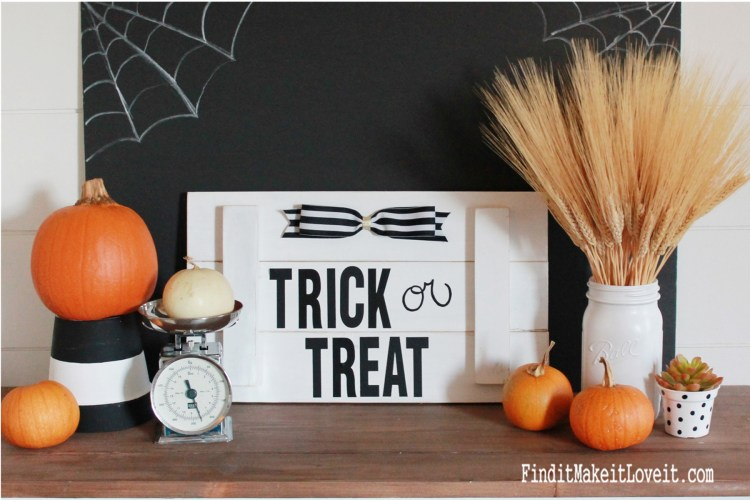 Trick or Treat Halloween sign using scrap wood, address stickers and a little ribbon