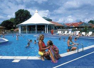Hopton Outside Pool - Hopton Holiday Village