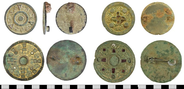 Unusual jewelled disc brooches which don't fit into any of the normal types. Left, BERK-D0201B (above) and WAW-F604A2 (below). Right, BERK-9AE538 (above) and BERK-C89FDA (below).