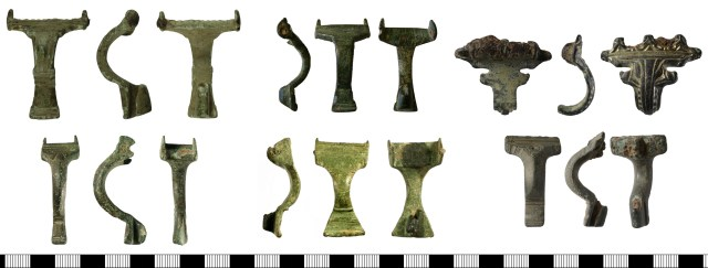 Supporting-arm brooches. Left, the wider Mahndorf type (above, WILT-D50E12 and the narrower Perlberg type (below, BH-9F9533). Centre, two brooches which fall between the two types (above NMS-478896, below SUSS-FFC705). Right, two unusual brooches (above NMS-532664, below NMS-D013E4)