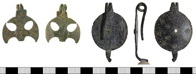 One-piece brooches WMID-BDAA38 (left) and CAM-C37AC3 (right)
